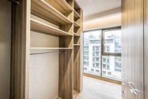 Garderoba w apartamencie, na wymiar, według projektu indywidualnego