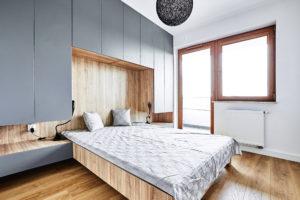 Sypialnia z wysoką zabudową na wymiar